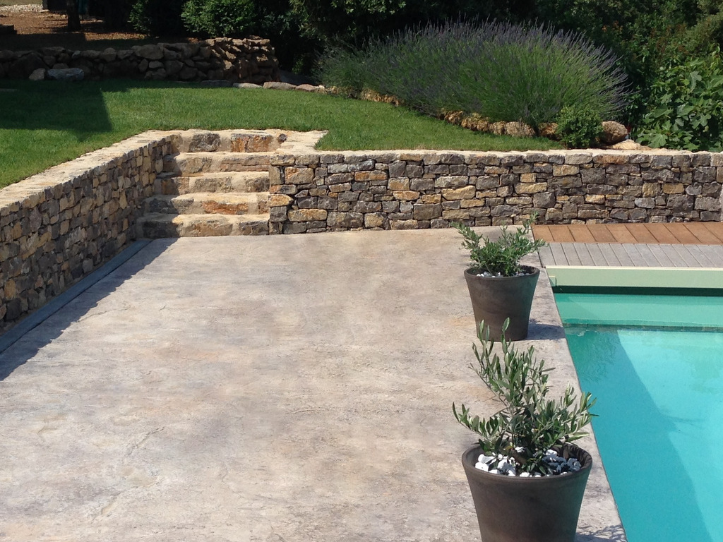 Jardin sur mesure terrasse en pierre