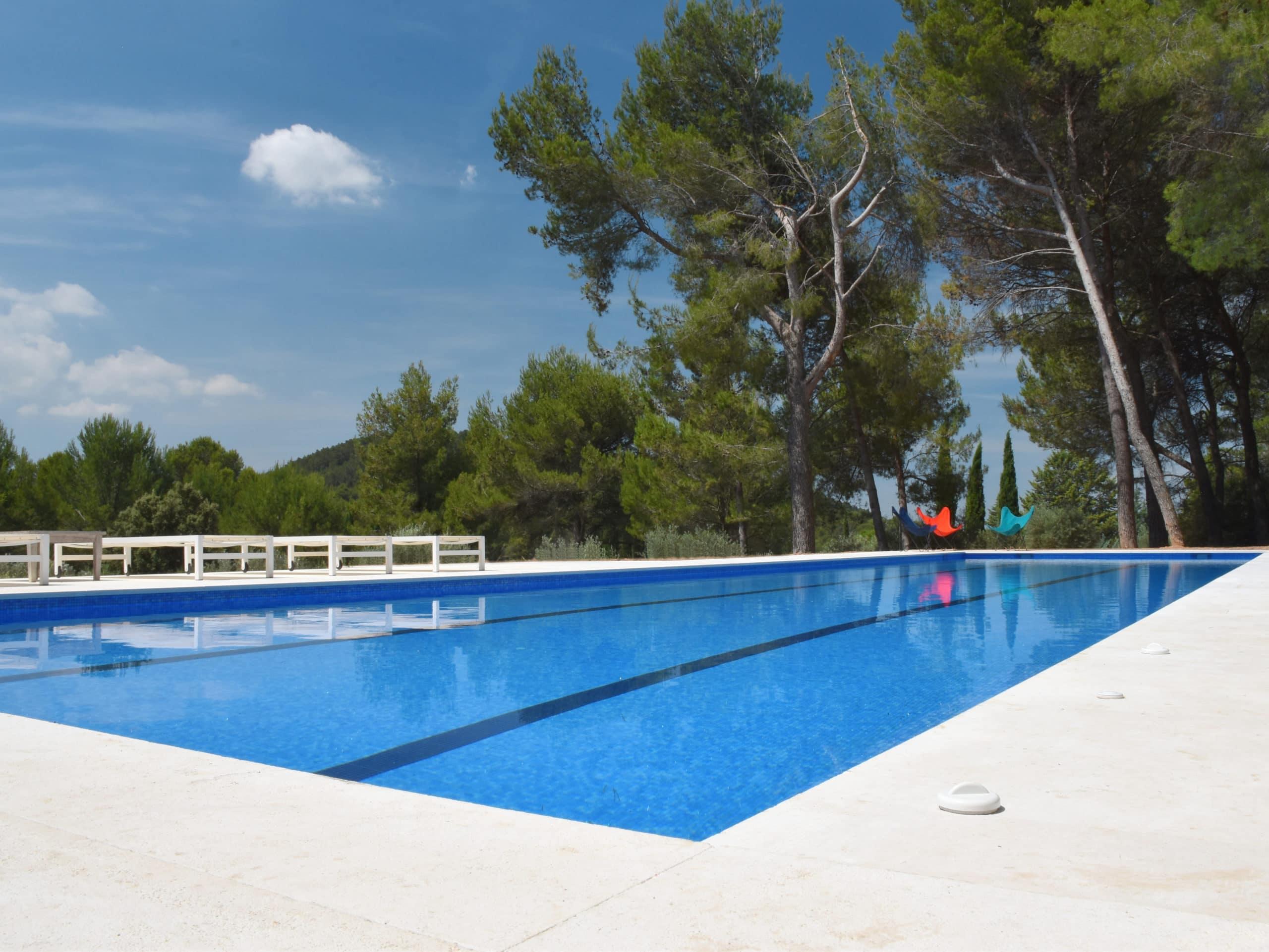 Constructeur de piscine en béton à Marseille
