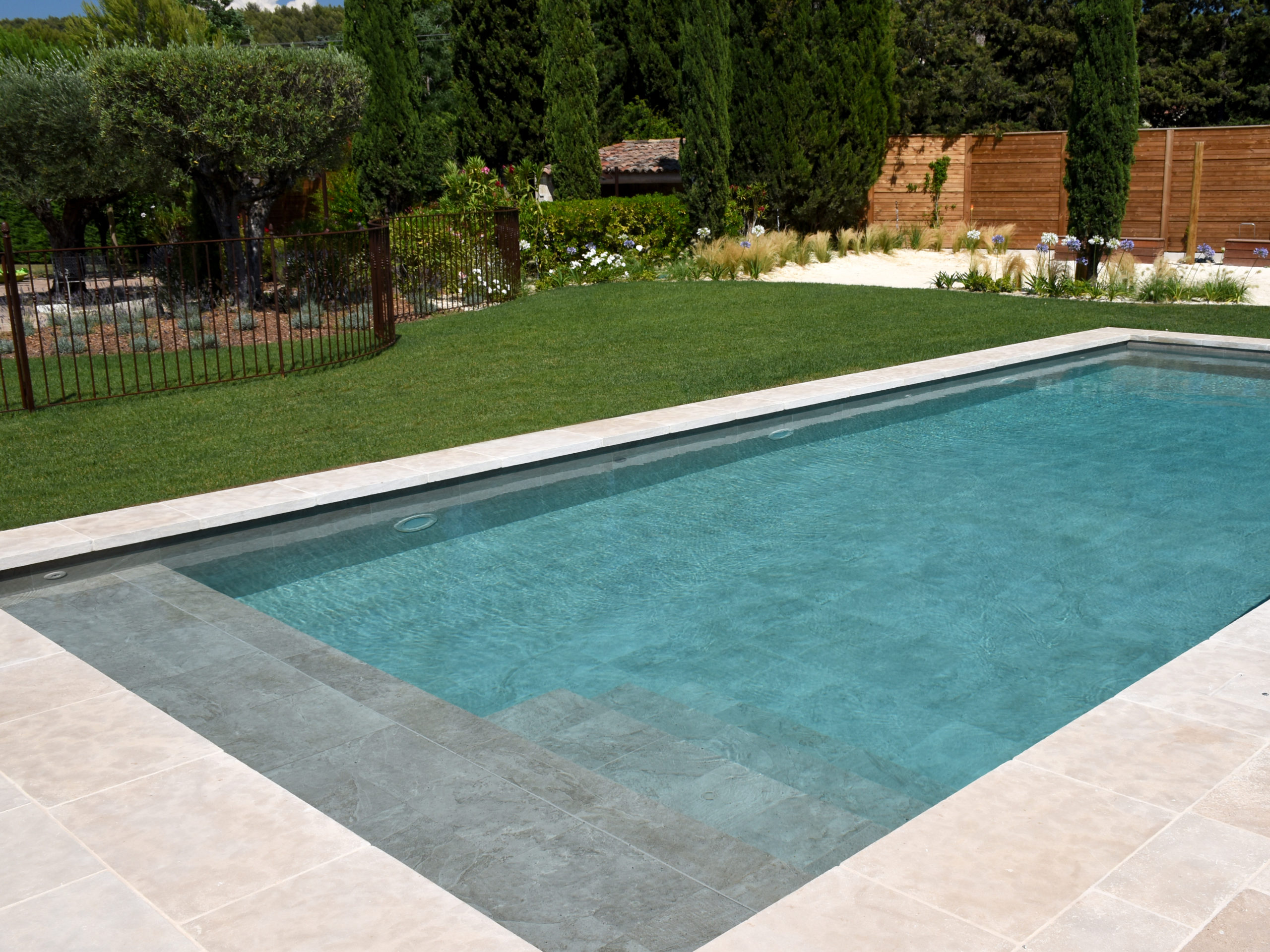 Construction d'une piscine creusée en PACA