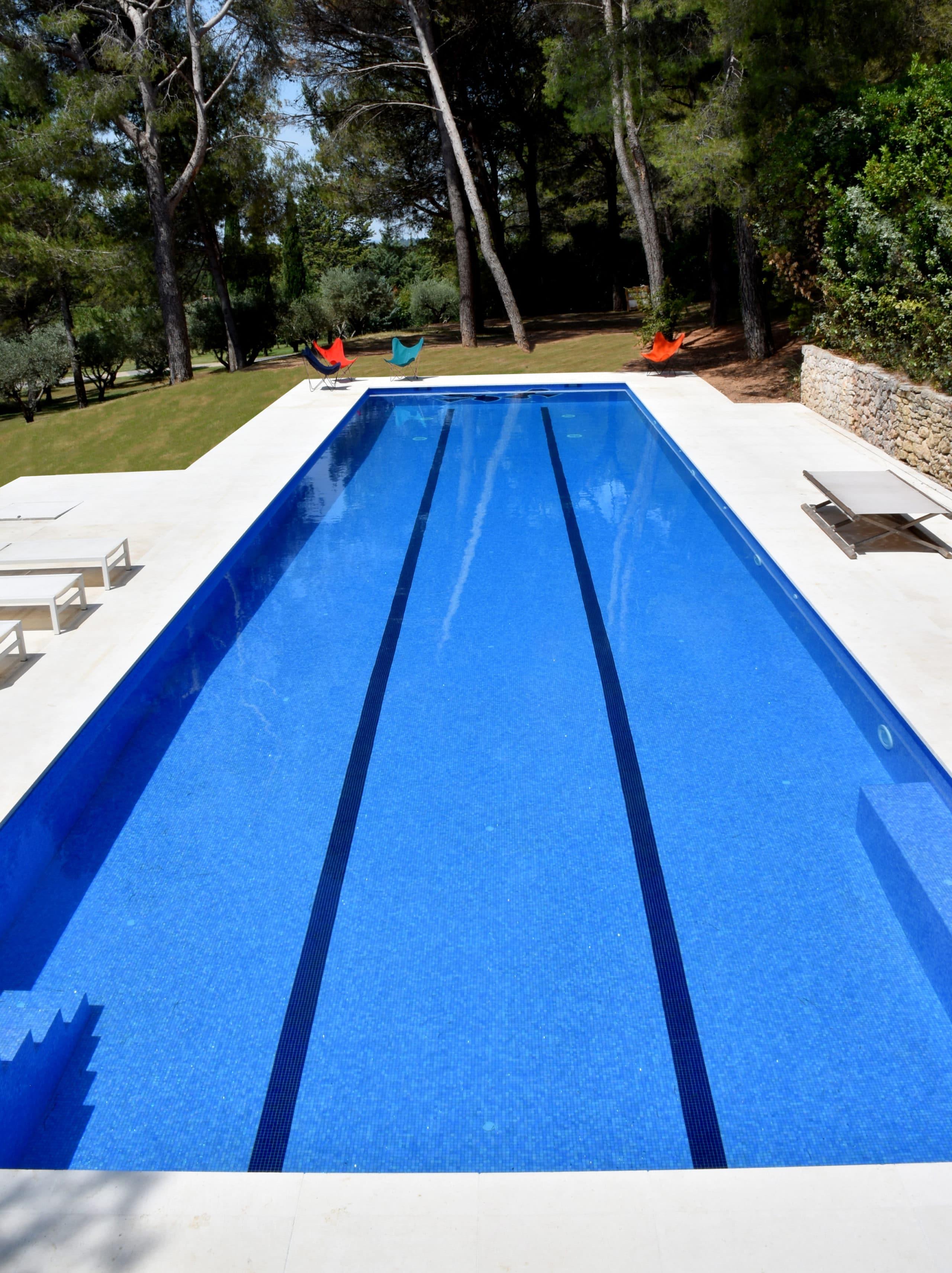 Construction de piscine monobloc réalisation Accent du Sud