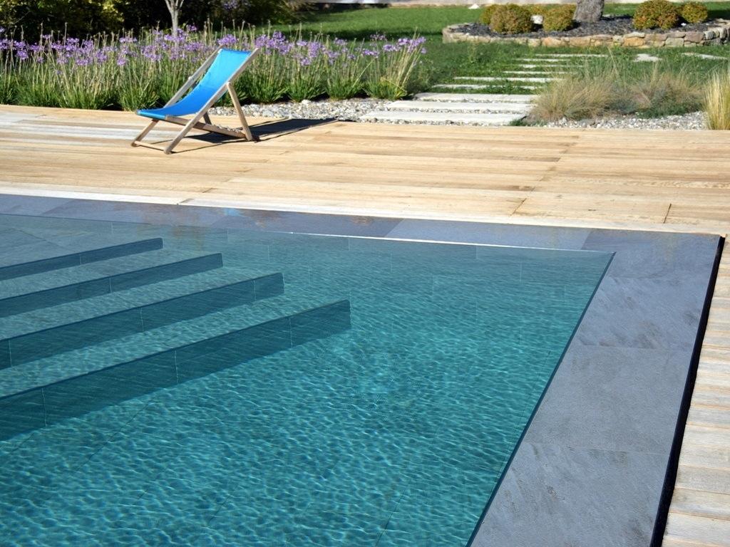 Construction de piscine réalisation d'une mini plage