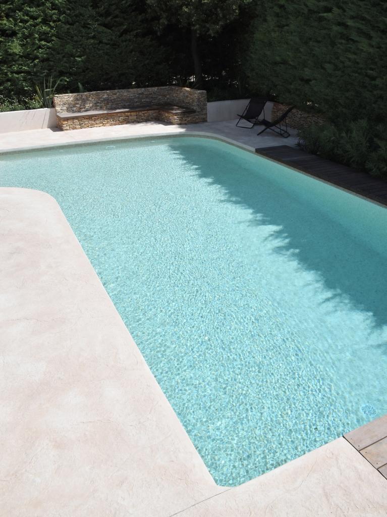 Constructeur piscine traditionnelle en béton