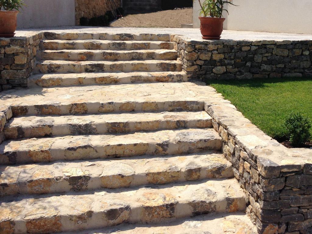 Création jardin zen escaliers en pierre
