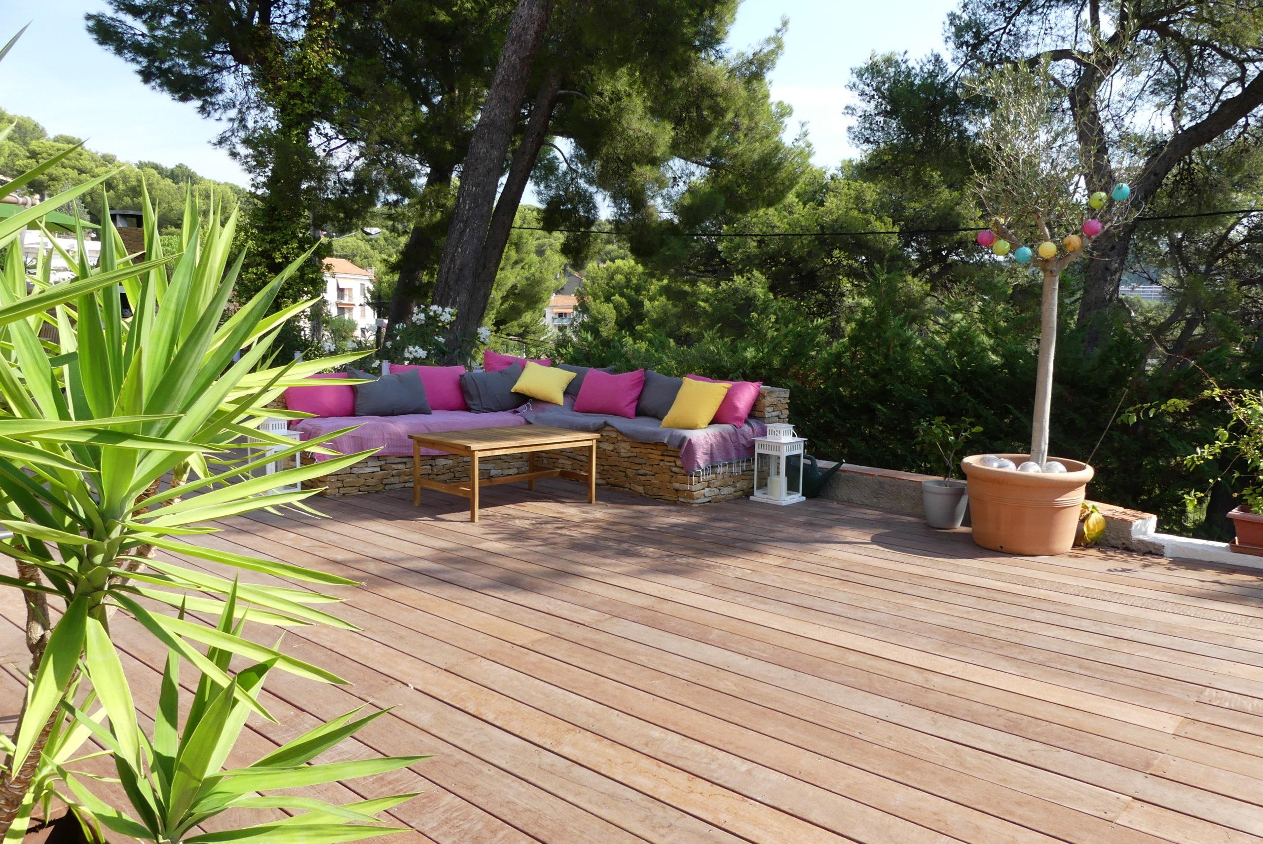 Création jardin zen terrasse en bois exotique